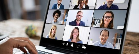9 Tips To Successfully Manage A Remote Team